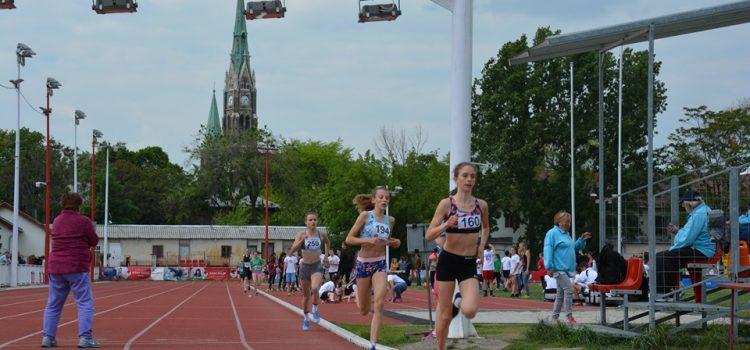 Csuta Dorka döntőt érő futása.